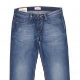 niebieskie dżinsy Cross Jeanswear Co. - moda 2011/2012