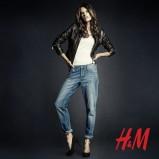 niebieskie dżinsy H&M boyfriend - moda jesienna