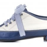 niebieskie pantofle Ryłko sznurowane - moda 2011