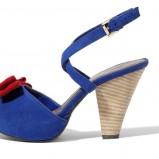 niebieskie sandały Mohito - lato 2012