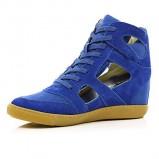 niebieskie sneakersy River Island na koturnie - wiosna 2013