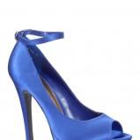 niebieskie szpilki New Look satynowe - zima 2011/2012