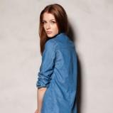 Nietypowa niebieska koszula Pull and Bear jeansowa - jesień-zima 2012/2013