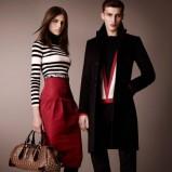 ołówkowa spódniczka Burberry w kolorze czerwonym - moda na jesień 2012