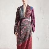 Piękna kolorowa tunika H&M wiązana w talii kolekcja jesienno-zimowa