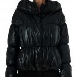 pikowana kurtka Grey Wolf w kolorze czarnym - moda na jesień i zimę