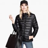 pikowana kurtka H&M w kolorze czarnym - najmodniejsze płaszcze i kurtki