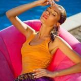 pomarańczowy top - Paulina Papierska  - kampania marki Chaos