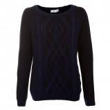 Ponadczasowy czarny sweter New Look z wytłoczonym wzorem  moda jesień/zima