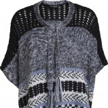 ponczo KappAhl we wzory moda na zimę