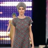 popielata sukienka Benetton w kratkę - jesień/zima 2011/2012