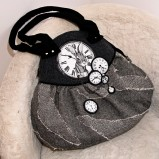 popielata torebka Ela Biryło - moda 2011