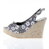 popielate sandałki Prima Moda na koturnie - lato 2011