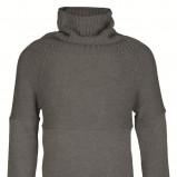 popielaty sweter Top Secret z golfem - trendy zimowe