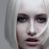 prosta blond fryzura