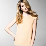 prosta sukienka Benetton w kolorze brzoskwiniowym - wiosna 2013