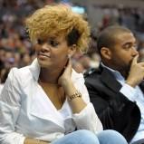 Rihanna, blond loki na grzywce, NBA 2010
