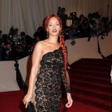 Rihanna, czerwony warkocz, Against Leukemia Gala 2011