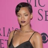 Rihanna w czekoladowej szmince
