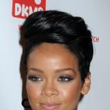 Rihanna z zaczesaną grzywką, 2008 American Music Awards