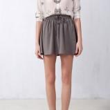 rozkloszowana spódniczka Pull and Bear w kolorze popielatym - trendy na wiosnę i lato 2013