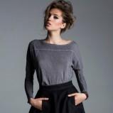 rozkloszowana spódniczka w kolorze czarnym - Łukasz Jemioł
