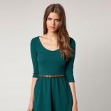 rozkloszowana sukienka Bershka w kolorze butelkowej zieleni   - kolekcja jesienno-zimowa 2012/13