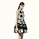 rozkloszowana sukienka Dior w kwiaty - moda na wiosnę i lato 2013