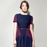 rozkloszowana sukienka Langner w kolorze granatowo - śliwkowym - ubrania na jesień