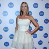 rozkloszowana sukienka w kolorze białym - Jacek Rozenek