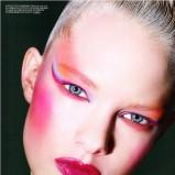 Różowy makijaż