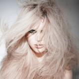 rozwichrzona fryzura