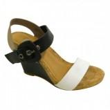 sandały Bata na koturnie - z letniej kolekcji 2012