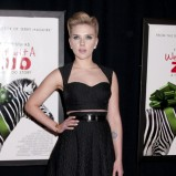 Scarlett Johansson - Krótkie kreacje karnawałowe