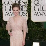 Scarlett Johansson w beżowej sukni wieczorowej