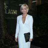 śliczna z długam rękawem sukienka w kolorze białym - Barbara Hetmańska