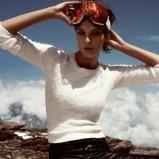 śliczny sweterek H&M w kolorze białym - ubrania na zimę