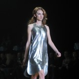 srebrna sukienka - Dawid Woliński