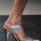 srebrne sandały Prada