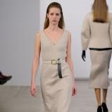 sukienka Calvin Klein w kolorze beżowym - moda na jesień i zimę 2013/14