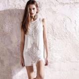 sukienka River Island w kolorze białym z koralikami - wiosna 2013