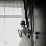Sukienka ślubna i dekolt na plecach