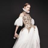 sukienka wieczorowa Alexander McQueen w kolorze ecru - moda na jesień 2013