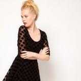 sukienka wieczorowa Asos w grochy w kolorze czarnym - zima 2012/13