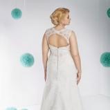 suknia ślubna Annais Bridal z koronką z dekoltem  na plecach