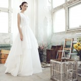 suknia ślubna Bizuu z falbanami