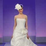 suknia ślubna Cymbeline z kwiatem