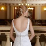 suknia ślubna Herms Bridal z dekoltem  na plecach