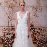 Suknia ślubna na ramiączkach