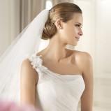 suknia ślubna Pronovias asymetryczna